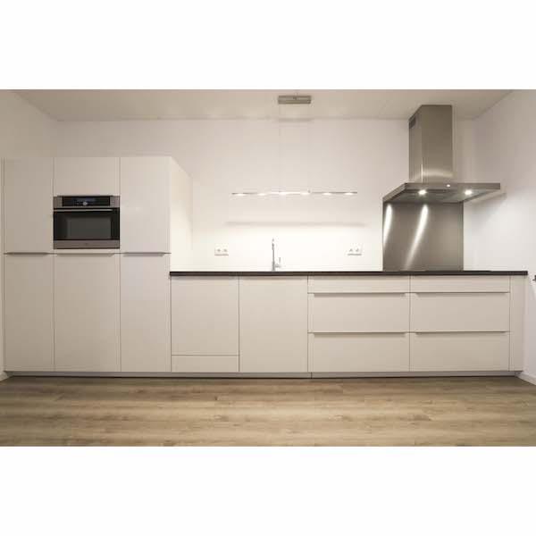 Luxe ruime keuken appartement Mercuriushof Dr. Schaepmanstraat 143 Assen_1