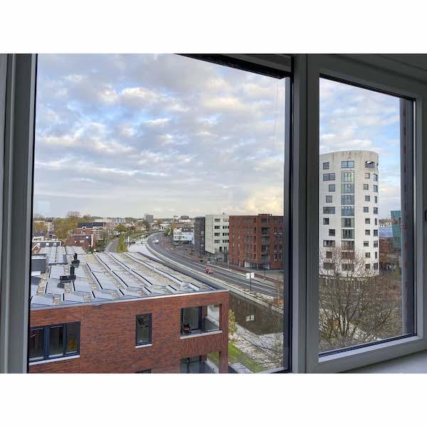 Uitzicht slaapkamer appartement Assen te huur Dr. Schaepmanstraat 143 Assen_2
